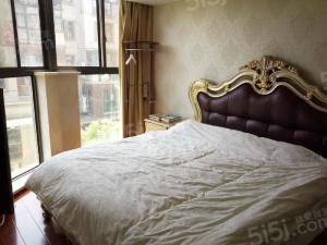 聚宝山庄臻园 四室两厅两卫 豪华装修 拎包入住