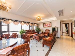 橡树湾花园二期,三室二厅二卫,装修好,楼层好,户型好。
