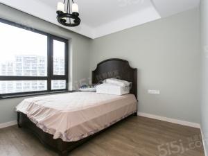 上湖雅苑,全新装修,业主诚心出售,看房方便,中上楼层。
