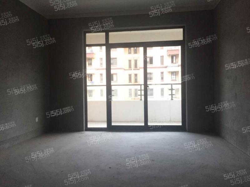 电梯多层 毛坯次新房 不满两年 边户