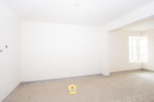 保利心语六期 14年的次新房 正规三室160万满两年 带露台