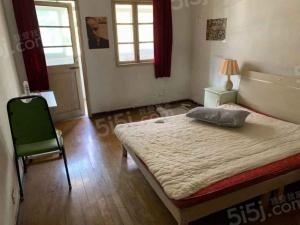 苜蓿园月牙湖 苜卫路 南北两室 满二年 楼层好