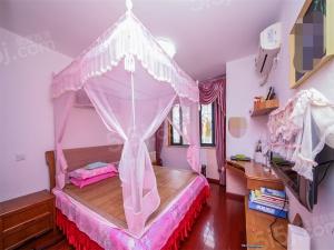 边户通透大俩房,装修保养好,随时看房。