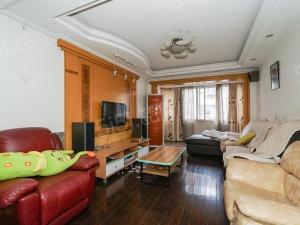 新湘苑,3房3楼,带汽车库,诚心出售