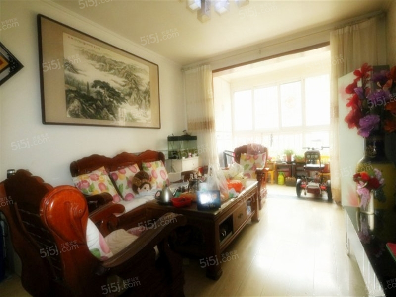 青岛我爱我家沧口小绿城 翠海宜居 南北通透大套三 多层洋房 有租赁车位第1张图
