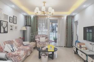 新上精装3房 婚房25万的装修 业主换房诚意出售