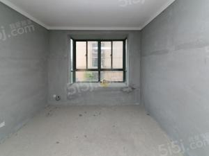 世纪锦园北区,纯毛坯,超大落地窗,全明户型。诚心出售!