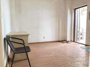 丹凤街恒基公寓汇杰 双南户型带大平台房龄新景观房