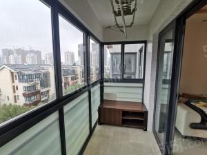 阳光城市精装两房、配套齐全、随时看房、拎包入住