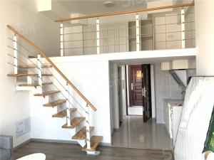 中南世纪雅苑 酒店式公寓 拎包入住 3.9米挑高