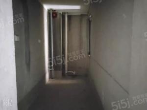 雪新苑毛坯壹房,水电燃气已开,可居住可做仓库