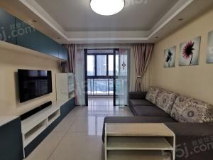 家乐福新体旁两房出租,户型通透,中、央空调带地暖采光棒棒