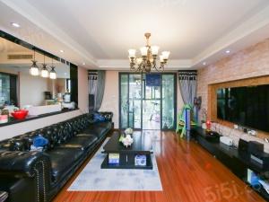 房东回台诚心出售,房间装修保养非常好装修,可以上学。