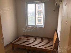 银龙翠苑 居家三房 可合租 石杨路湿地湖公园旁