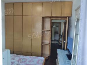 正规,户型方正,自住精装修、干净整洁, 房型正气