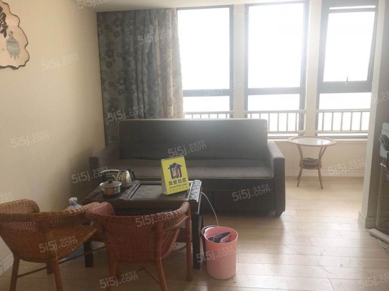 青岛我爱我家万达公馆一室一厅精装修68平方带阳台卫生间带窗户第1张图