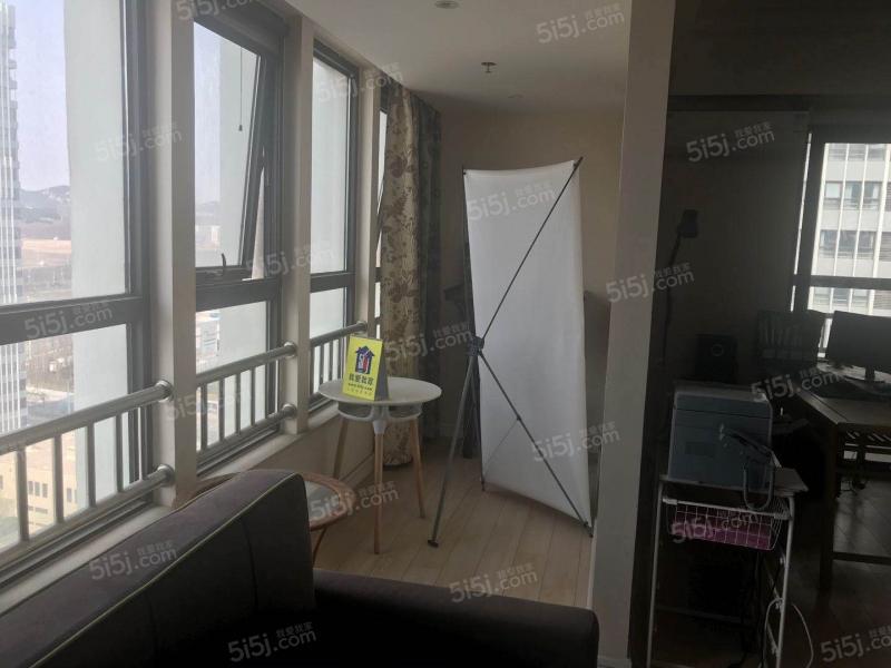 青岛我爱我家万达公馆一室一厅精装修68平方带阳台卫生间带窗户第5张图