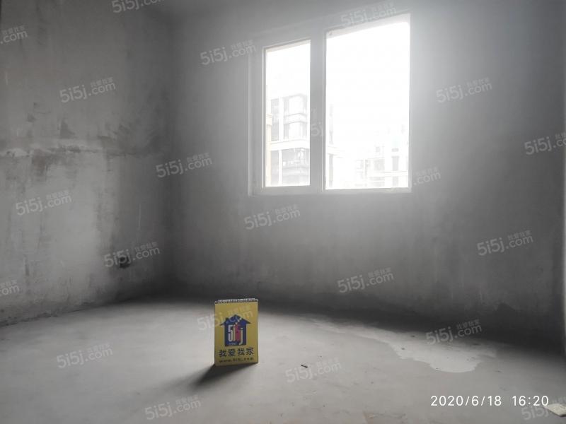 青岛我爱我家海上嘉年华前排海景房无遮挡,客厅开间6米,5.8米挑空第1张图