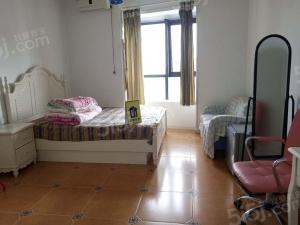 青岛我爱我家海上嘉年华对面 梦时代精装单身公寓 随时看房