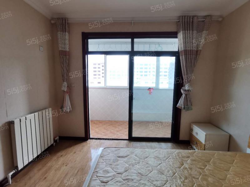 青岛我爱我家天泰阳光海岸 精装两室 生活方便 非常适合居住第1张图