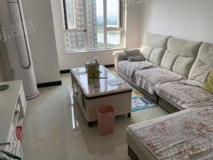 龙池湖 雨荷苑精装两室 中高楼层 诚心出售