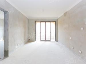 海亮,全新毛坯,可做4房,诚心出售,价格看中可谈。